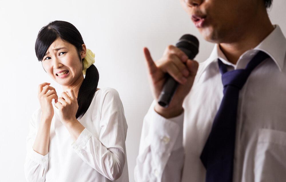Mulher com amusia ouve cantor e não gosta da experiência