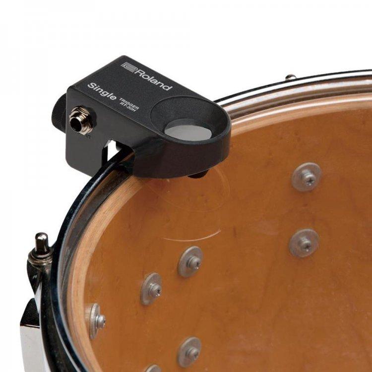 Trigger instalado em um tom ajuda a tocar bateria sem fazer barulho