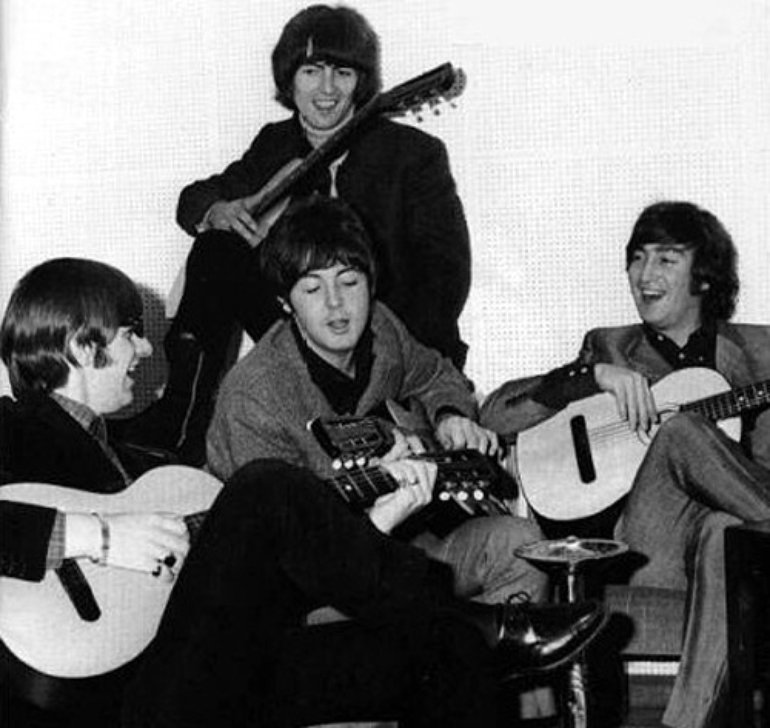 Tocar músicas dos Beatles no violão