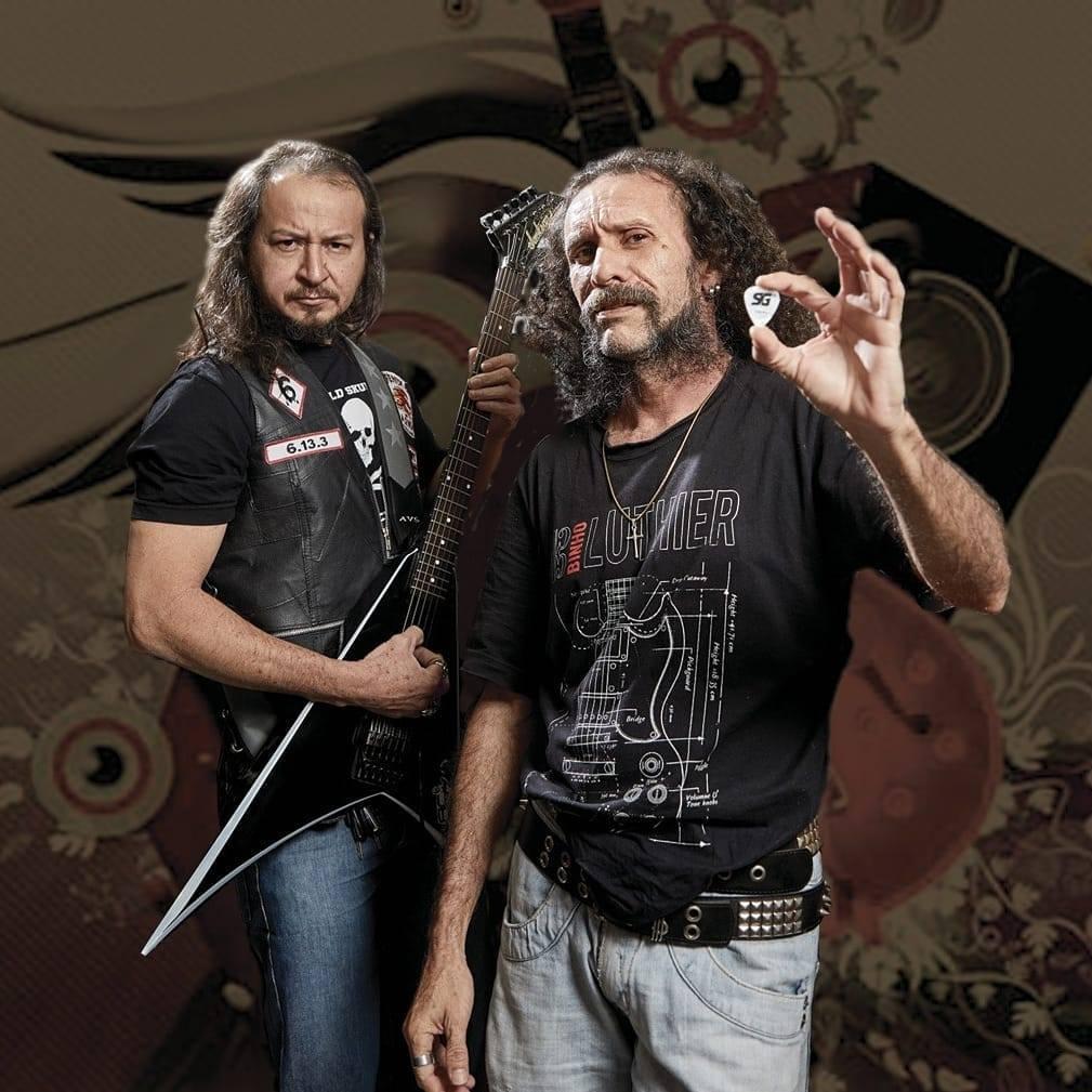 O guitarrista D'castro e o vocalista Marcelo Kalunga, um dos cantores desconhecidos que cantam muito