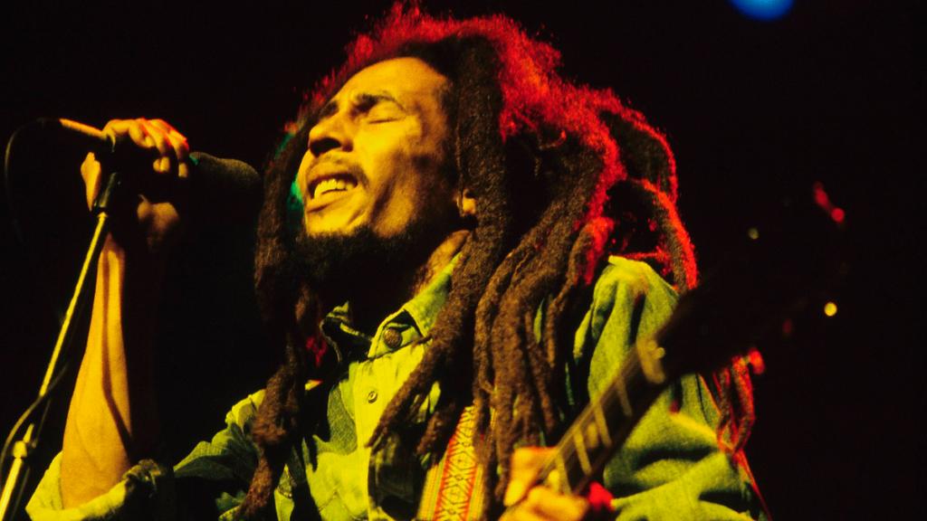 O músico jamaicano Bob Marley, uma referência para o reggae nacional