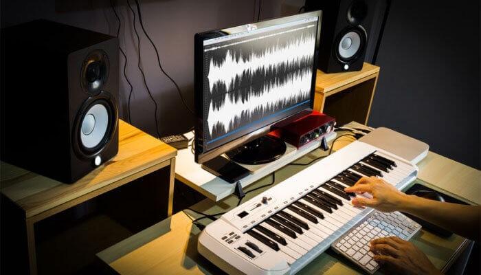 A tecnologia MIDI e instrumentos virtuais ´permite a gravação de um disco inteiro sem o uso de equipamento analógico