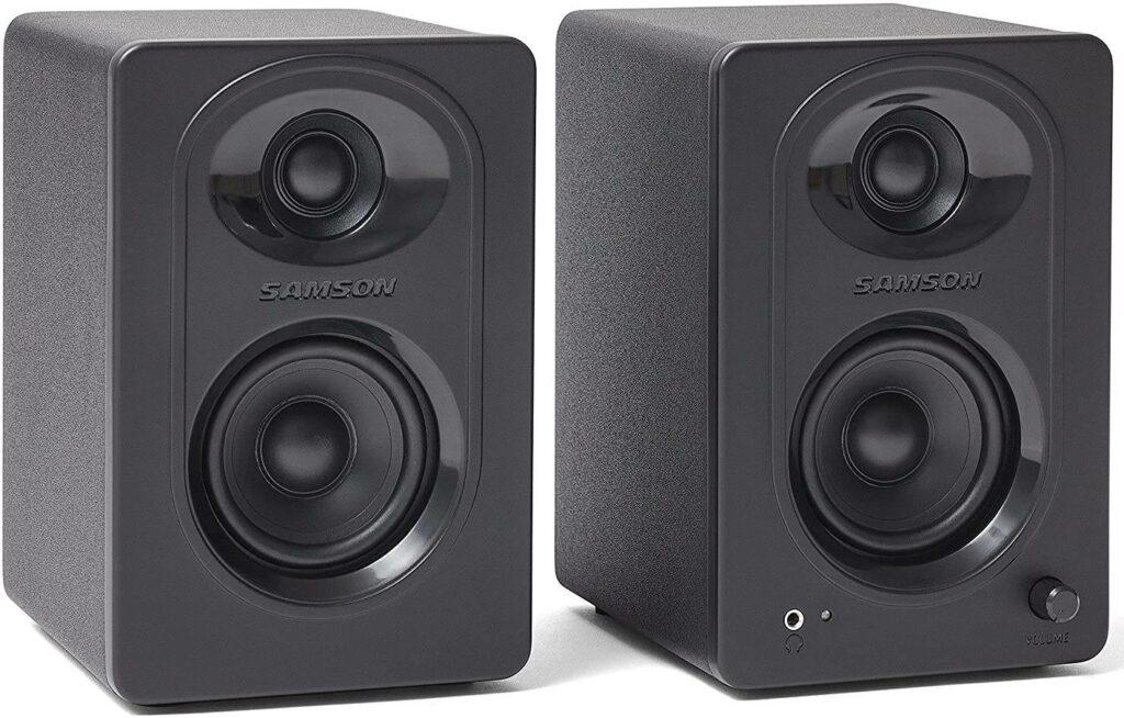 Monitores Samsom MediaOne M30 são equipamentos de home studio com custo-benefício