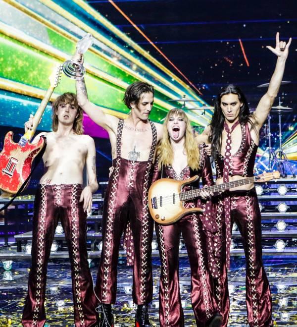 A banda italiana Måneskin celebre a vitória no Eurovision 2021