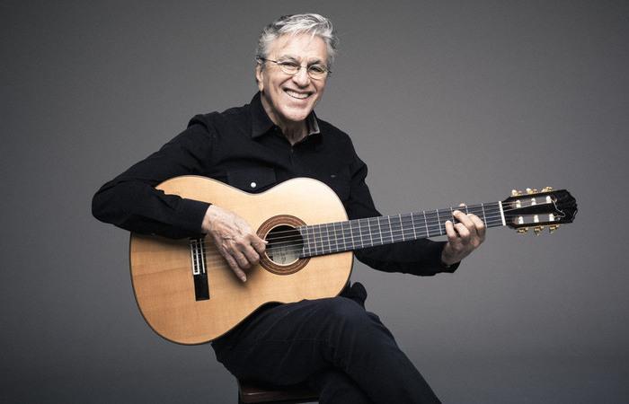 Cifras de músicas de Caetano Veloso são fundamentais para quem toca violão