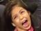 MC Melody mostra seu falsete a Laura Pausini; veja a reação da cantora