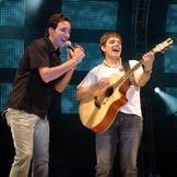 Imagem do artista Paulo e Júnior