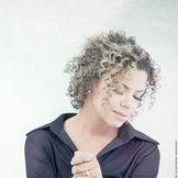 Imagem do artista Nívea Soares