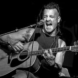 Imagem do artista Michale Graves