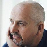 Imagem do artista Peter Gabriel