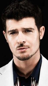 Photo of Robin Thicke