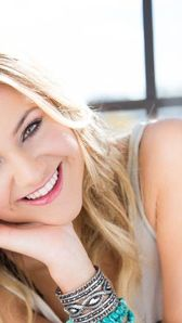 Photo of Kelsea Ballerini