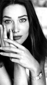 Photo of Carla Bruni