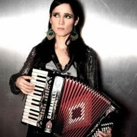 Foto do artista Julieta Venegas