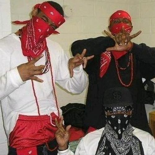 Piru Love - Bloods and Crips (letra da música) - Cifra Club