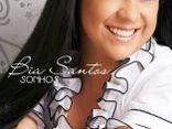 cantora Bia Santos