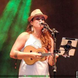 Imagem de Luara Oliveira
