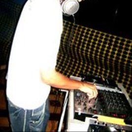 Imagem de Locutor ,Sonoplasta, DJ,Baygon