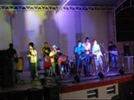 Faixa 01 Ela Mexe Comigo - participa samba – Palco MP3