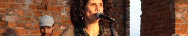 Claudia Holanda