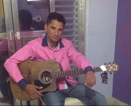 Dennyon Santana