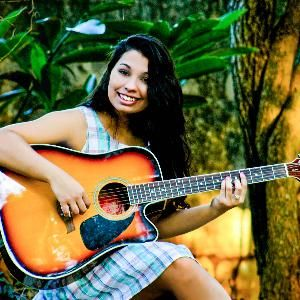 Jullya Carvalho