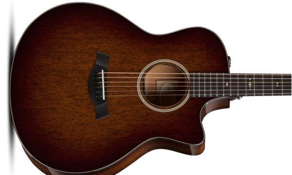 guitarra hecha con caoba