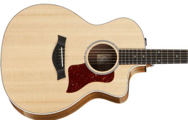 guitarra hecha con madera sitka spruce