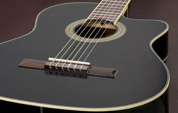 Tipo de madera para la Tapa armónica de una guitarra Eagle