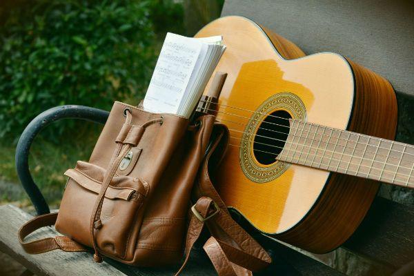 O violão é um ótimo isntrumento de entrada