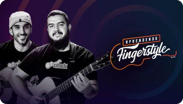 Os instrutores Leo Eymard e Gustavo Fofão divulgar o curso de fingerstyle do Cifra Club