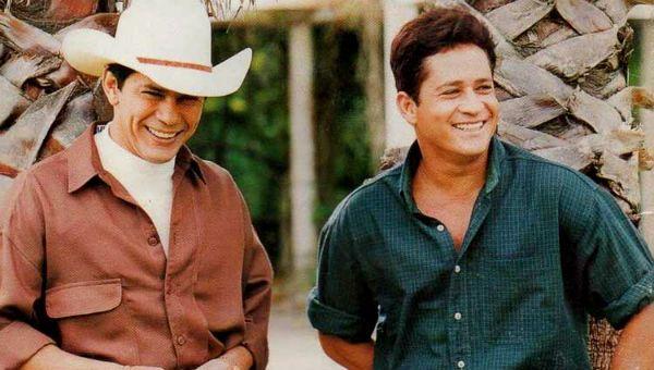 Leandro e Leonardo sorridentes, por volta de 1995