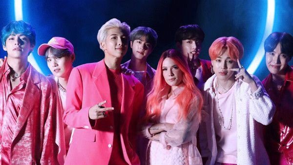 BTS e Halsey brilham no clipe de Boy With Luv