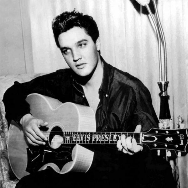 Elvis Presley ajudou a fazer a fama do violão jumbo