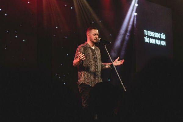 Isaías Saad, talento da música gospel contemporânea