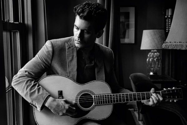 John Mayer é adepto de um violão parlor