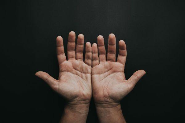 As mãos precisam estar relaxadas para uma boa prática musical