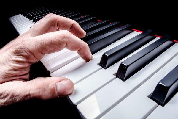 Nota isolada no piano permite a descoberta do ouvido absoluto