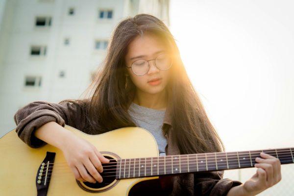 Toda técnica musical aprendida no violão, deve ser executada