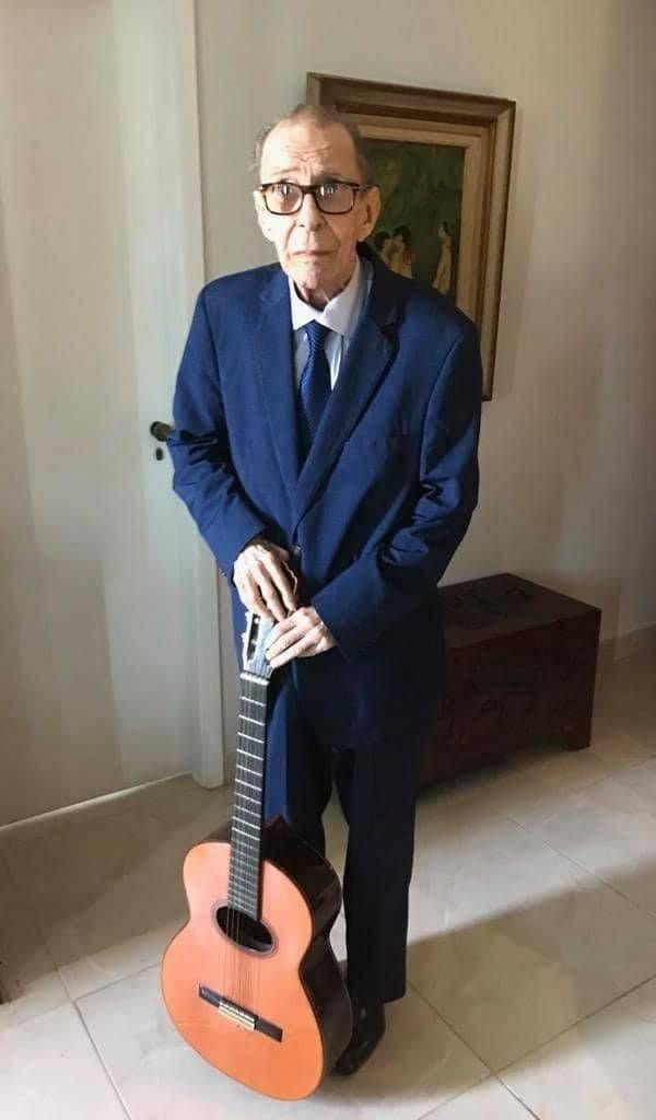 Sofia Gilberto registrou uma das últimas fotos de João Gilberto vivo