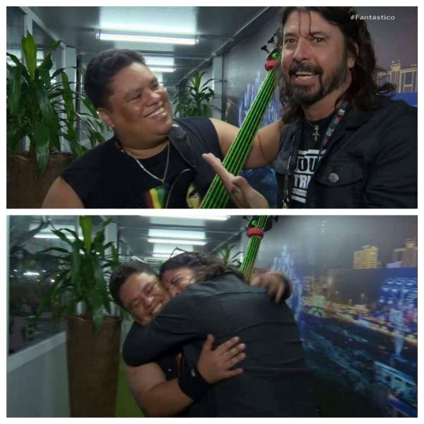 Júnior Groovador abraça Dave Grohl nos bastidores do Rock in Rio