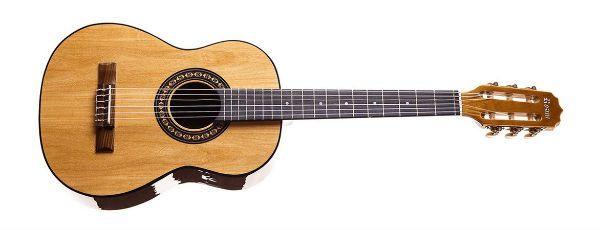 Rozini Baby RX205ACN, um violão ideal para crianças
