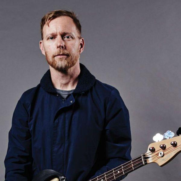 Nate Mendel, baixista da banda Foo Fighters