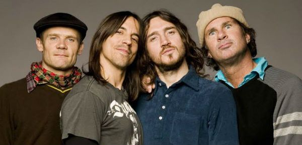 Flea, Anthony Kiedis, John Frusciante e Flea, a formação clássica do Red Hot está de volta