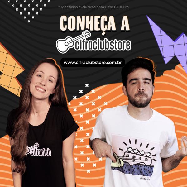 Nath Sandin e Caico Antunes vestem as novas camisetas do Cifra Club