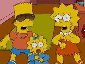 """Os irmãos Bart, Maggie e Lisa Simpson ao som de """"Tik Tok"""""""