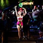 Jessie desceu do palco e foi ver a galera mais de perto (Raul Aragão/I Hate Flash - Reprodução/Facenook Rock in Rio)