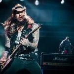 Comandando o Kiara Rocks, o vocalista Cadu mostrou a força do metal nacional (Reprodução/Facebook Rock in Rio - Ariel Martini / I Hate Flash)
