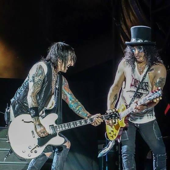 fortus e slash, guitarras do Guns