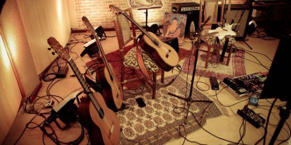 violoes e muita música